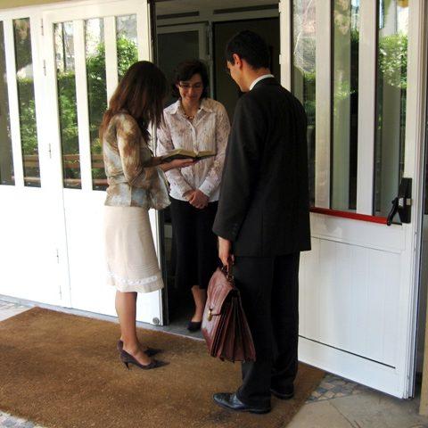 Zeugen Jehovas beim Missionieren, Bild von Steelman aus der Wikipedia
